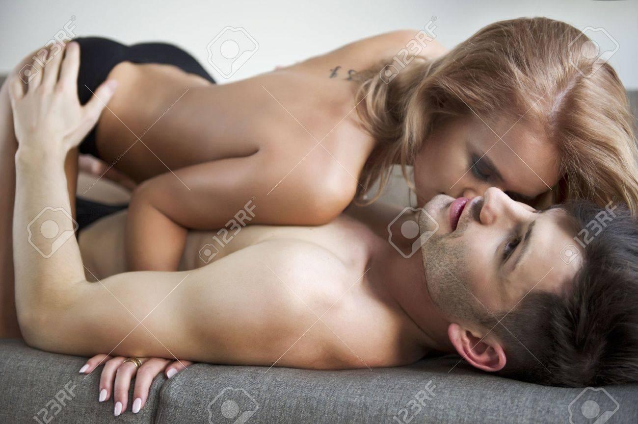 Сексуальные игры для молодой пары играть онлайн бесплатно 8 фотография