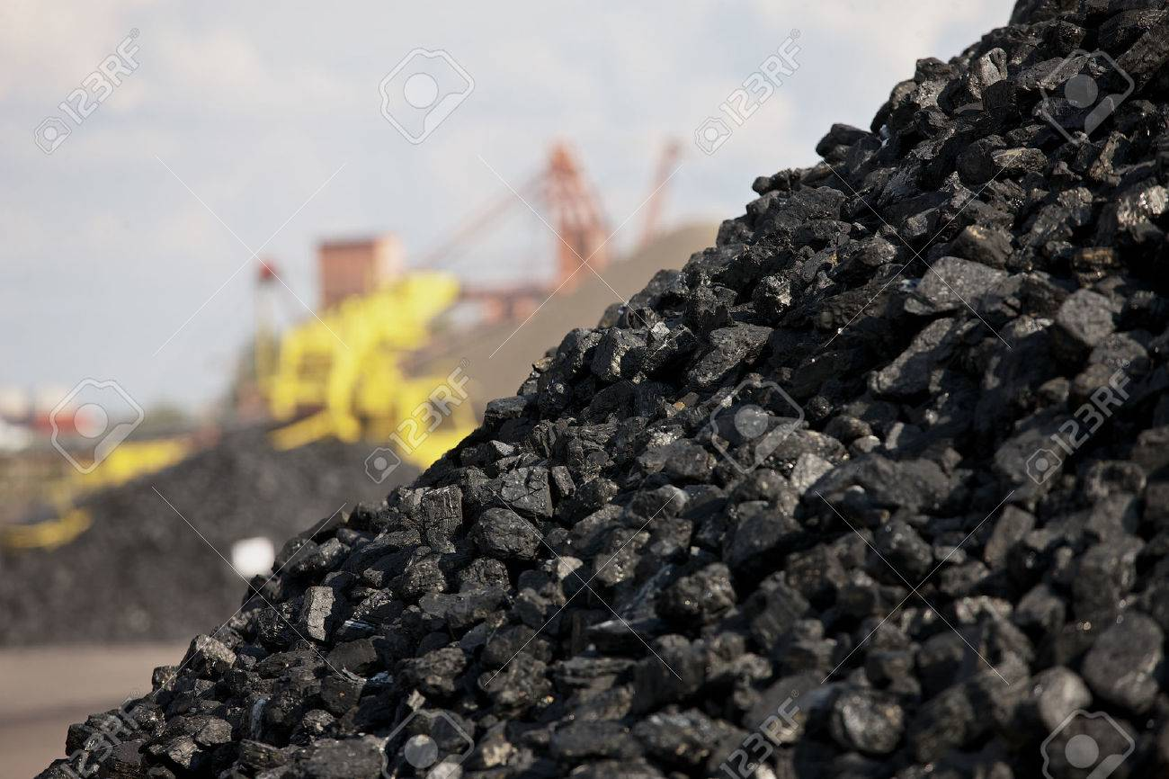 石炭の山 ロイヤリティーフリー...