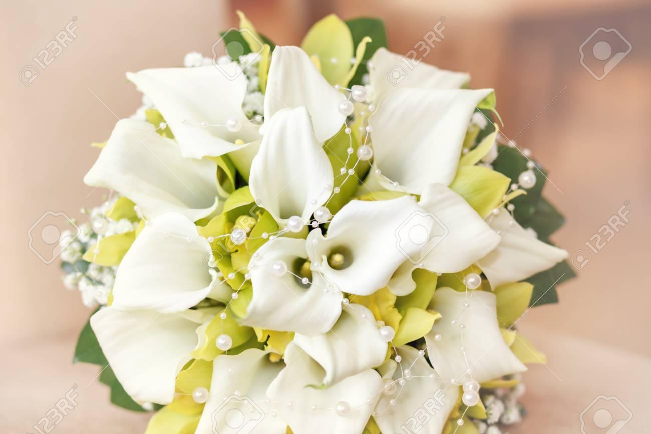 Hochzeitsstrauss Mit Perlen Orchideen Und Calla Mit Flachen Fokus In