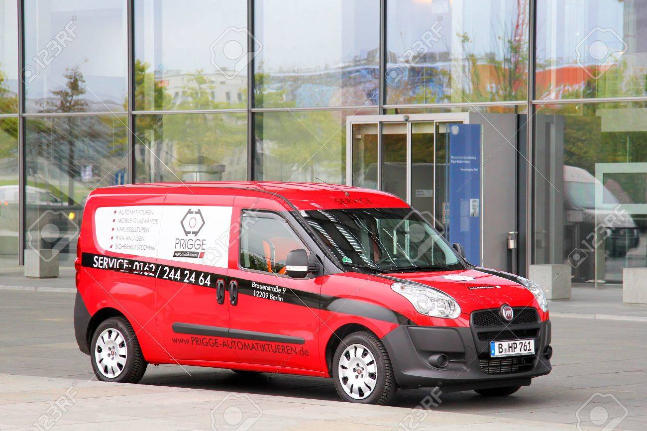 Berlin Germany September 10 2013 Red Fiat Doblo Cargo Van
