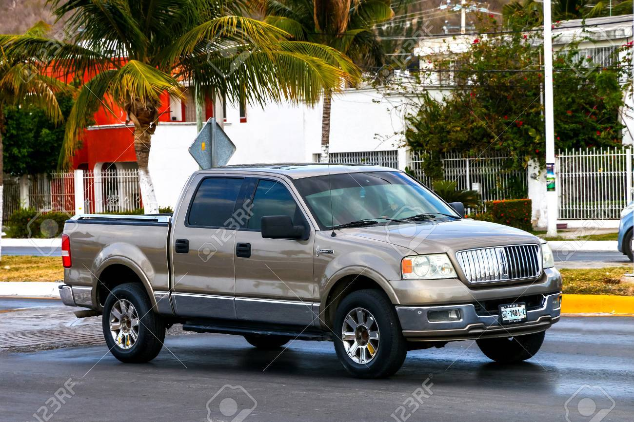 Campeche Mexico May 20 2017 Pickup Truck Lincoln Mark Lt