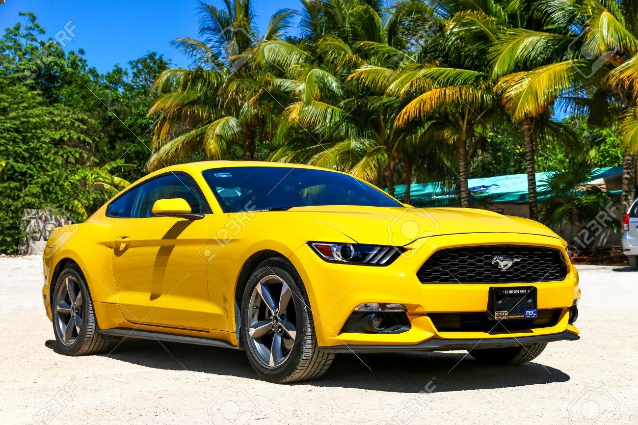 Ford Mustang Jaune