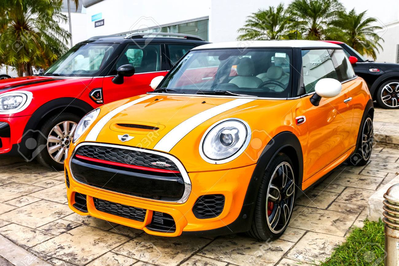 cancun mexico june 4 2017 motor car mini cooper in the city stock photo picture and royalty free image image 81824665 https www 123rf com photo 81824665 cancun mexico june 4 2017 motor car mini cooper in the city street html