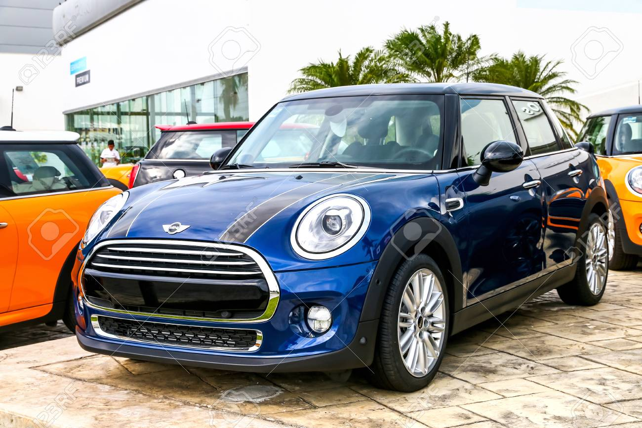 cancun mexico june 4 2017 motor car mini cooper in the city stock photo picture and royalty free image image 81824666 https www 123rf com photo 81824666 cancun mexico june 4 2017 motor car mini cooper in the city street html