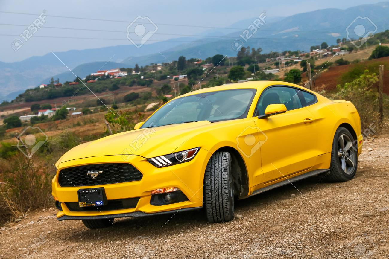 Ford Mustang Yellow 2017