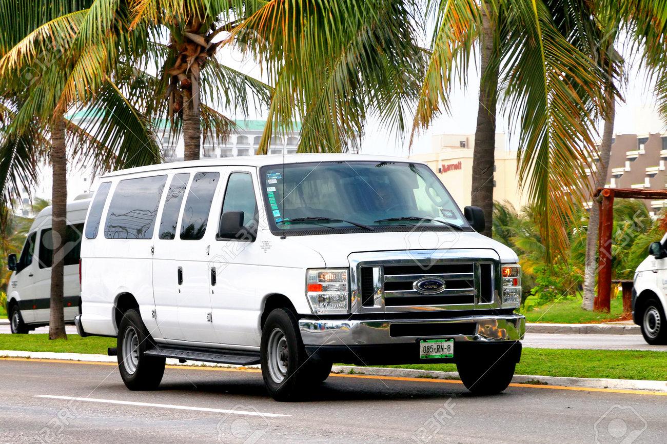 Ford Passenger Van >> Cancun Mexico June 4 2017 White Passenger Van Ford E Series