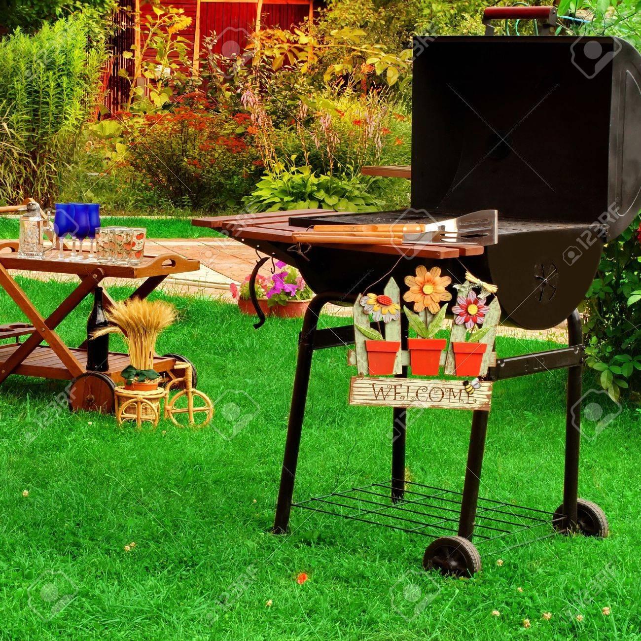 garden wooden furniture picnic hamper basket bbq grill sign