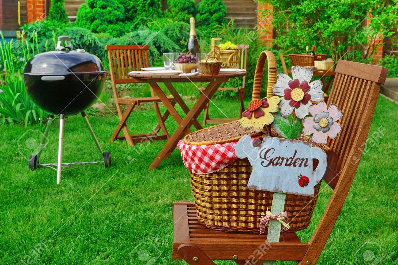 Cool Close Up Of Chair With Hamper And Sign Garden Family Home Party Interior Design Ideas Pimpapslepicentreinfo