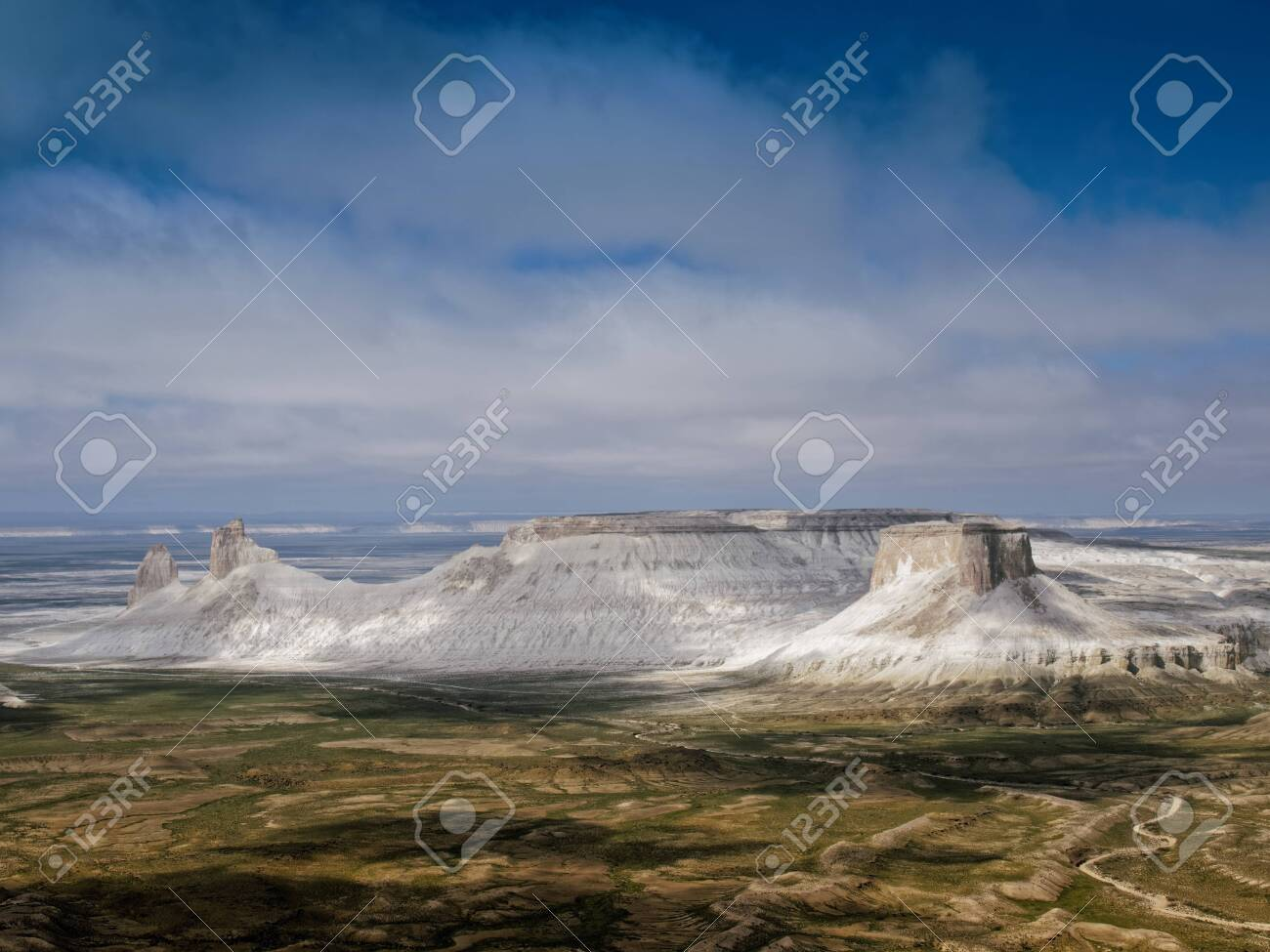 Chalk cliffs and ledges of the plateau Aktolagai. Plateau Aktolagai, Kazakhstan 2019.Expedition site Turister.ru. - 142252651