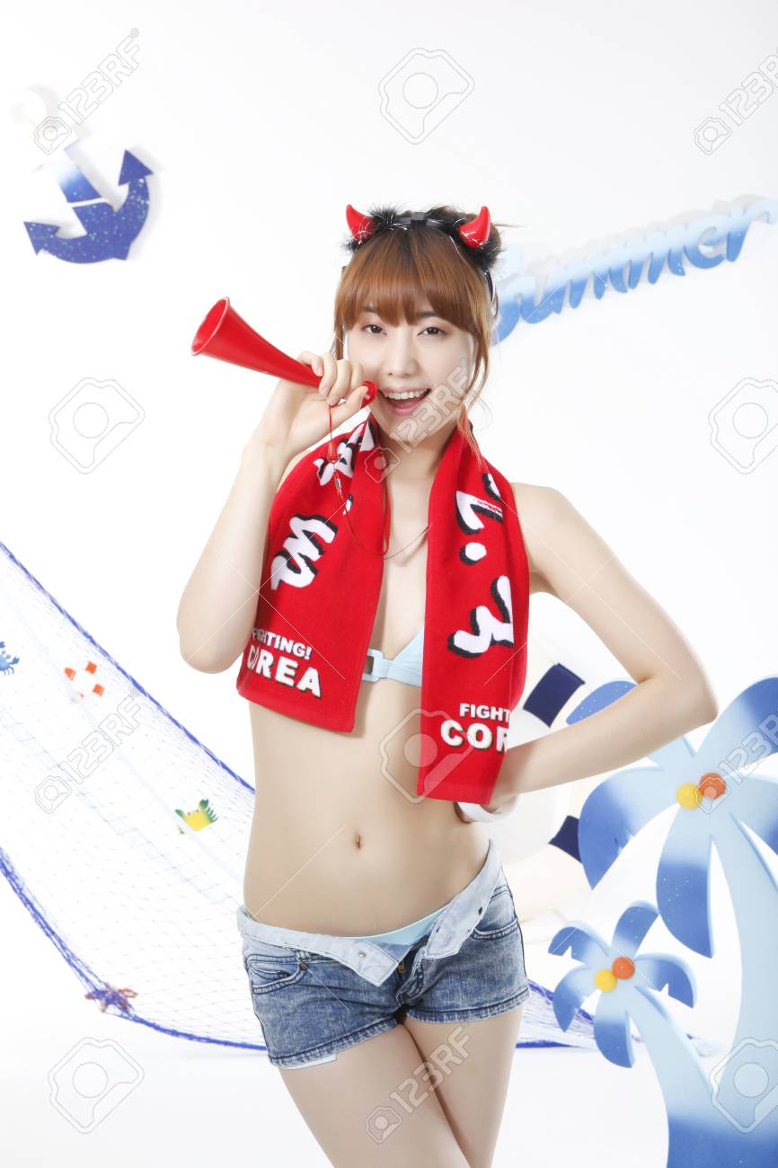 Cheering of World Cup soccer game Stock Photo - 10209466