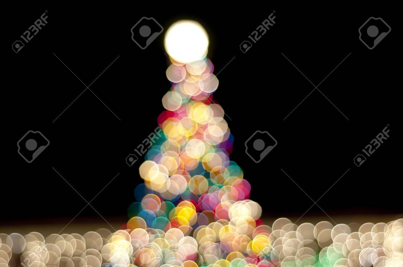 christmas tree at night - 8733179