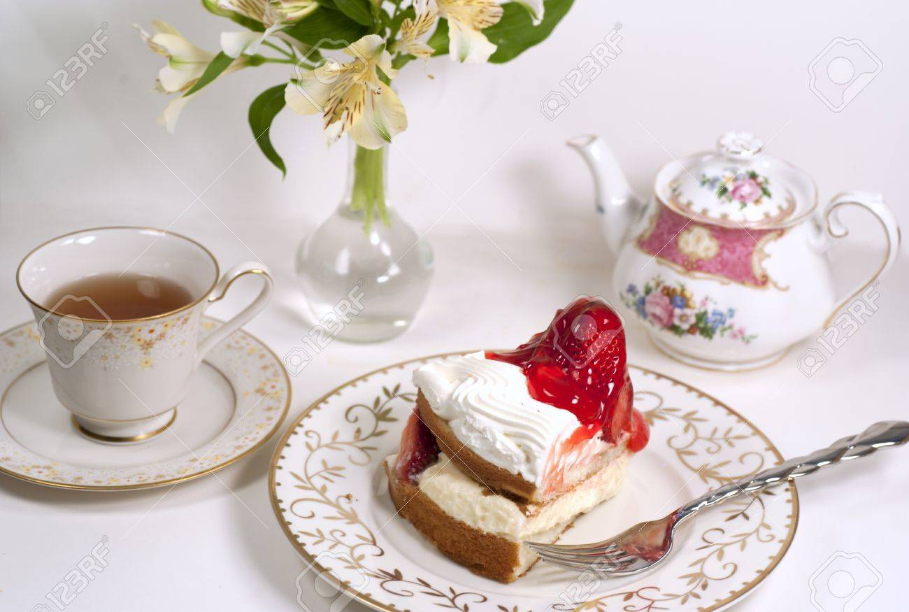 tea time with straberry cake - 9731996