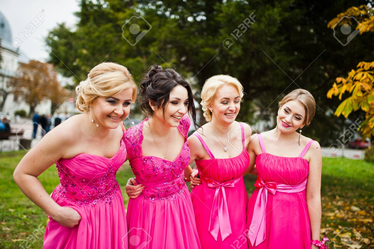Hermosa Vestidos De Las Damas De Color Amarillo Ideas - Ideas de ...