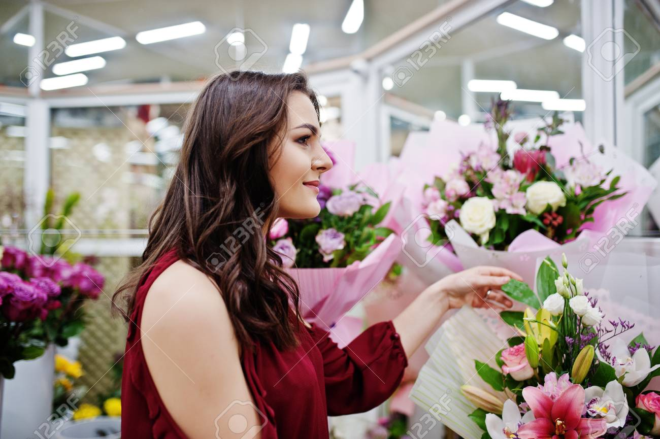 what flowers to buy a girl