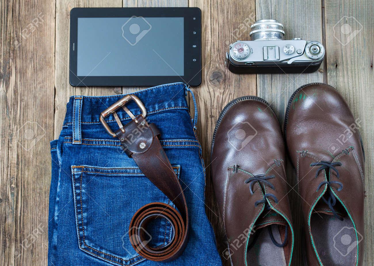 bleu un numériseurappareil jean sur télémétriquebottes morte avec cuir Nature texturées ansl'image et marronceinture en cartes les instagram zSUVMp