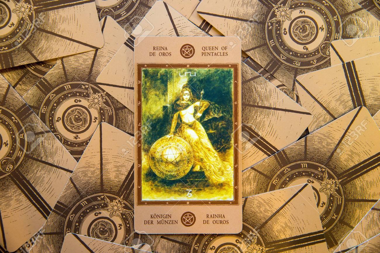 Tarot Card Qeen Of Pentacles Labirinth Tarot Deck Esoteric Stock
