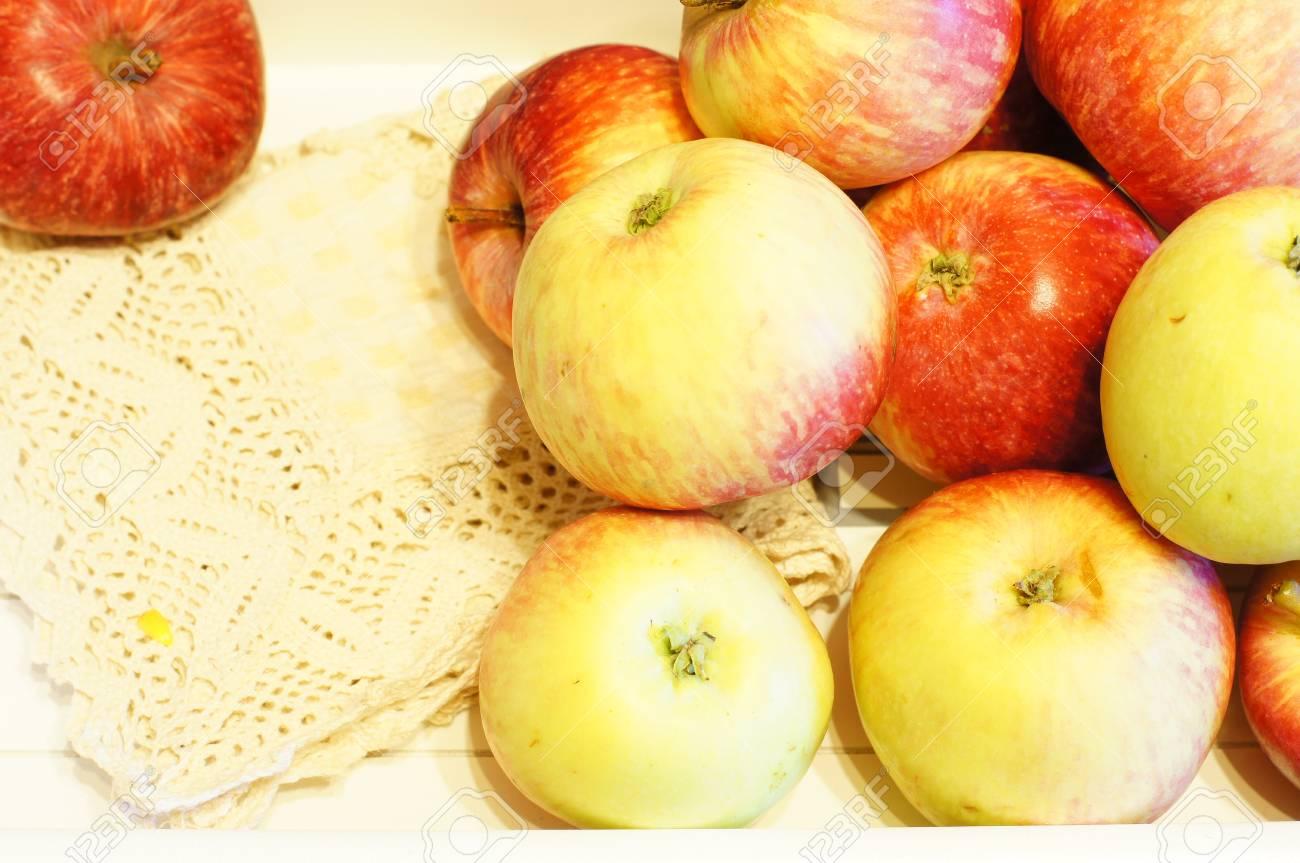 Fresh apple fruits on the wooden desk Stock Photo - 21169096