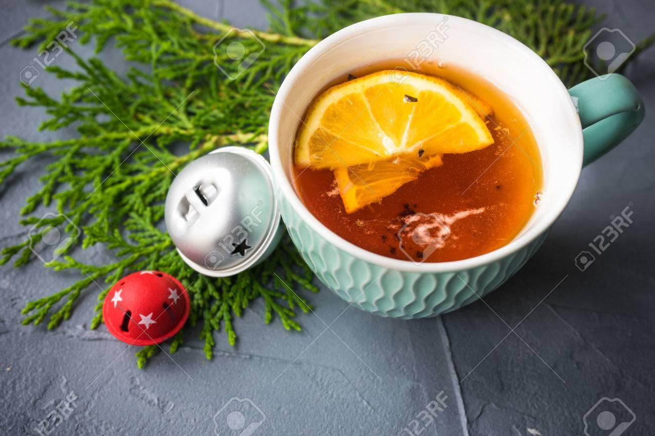 Tazza Di Tè Con Il Limone Su Priorità Bassa Concreta Rustica Con