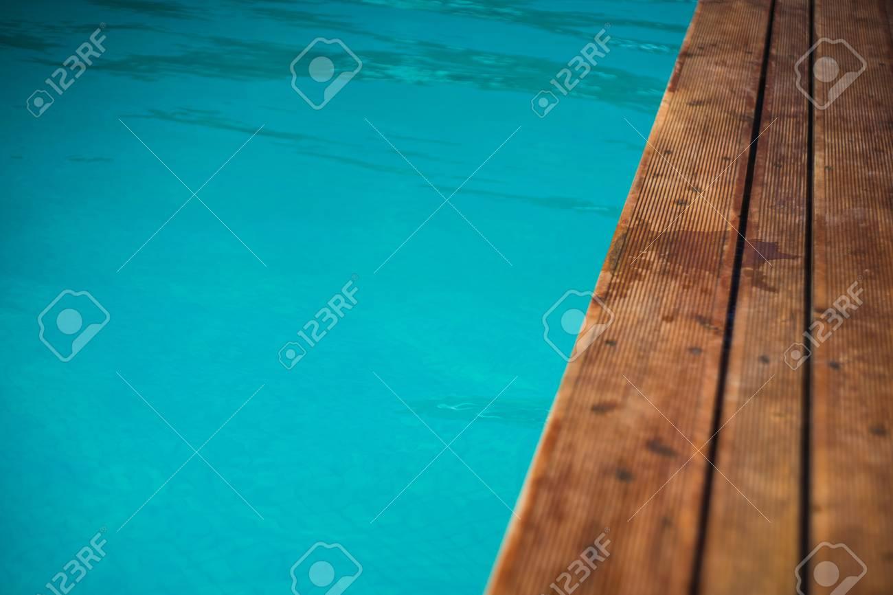 Foto de archivo - Piscina azul ondulada del océano de color como un  concepto relax 3792fb3278