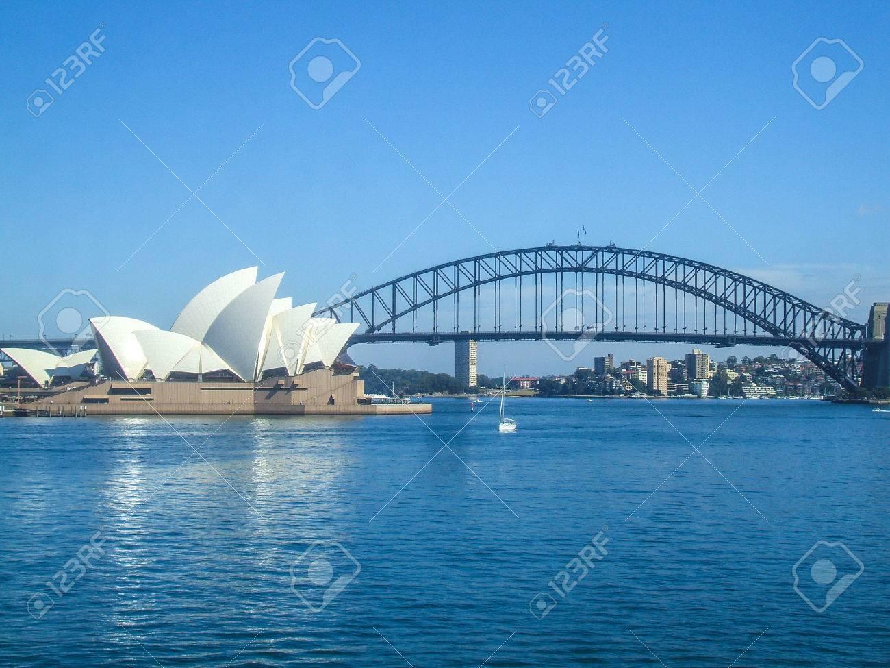Sydney opera house and harbour bridge - Sydney Opera House Sydney Harbour Bridge Road Bridge City Australia Sydney Beautiful Curve House People Habitat