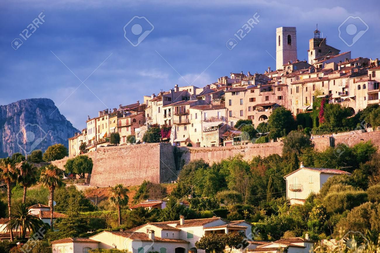 Medieval hilltop village Saint Paul de Vence in Provence, southern France - 54622391