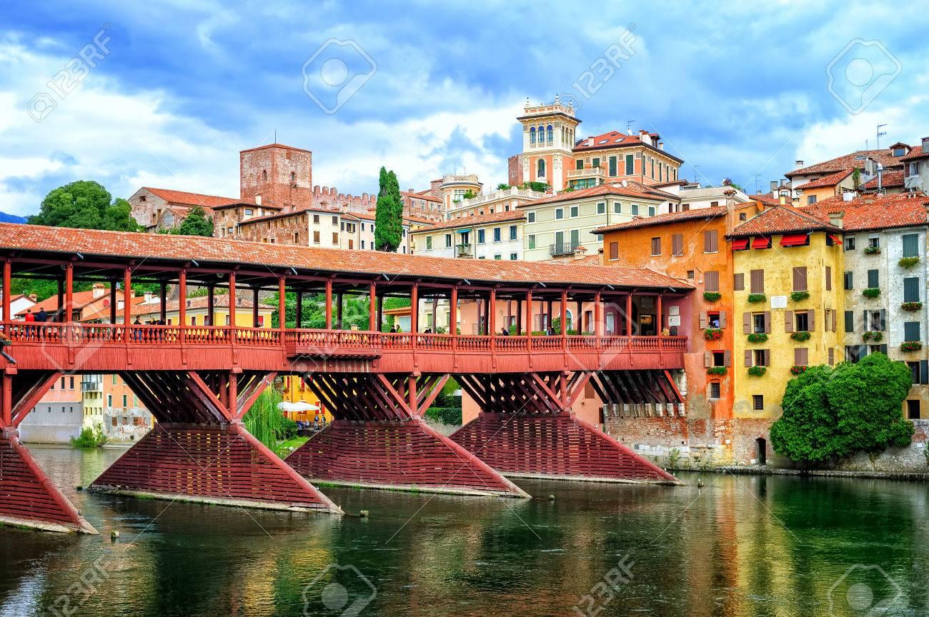 Ponte Del Legno.Famoso Ponte Di Legno Ponte Degli Alpini Sul Fiume Brenta A Bassano Del Grappa Una Piccola Citta In Veneto Italia
