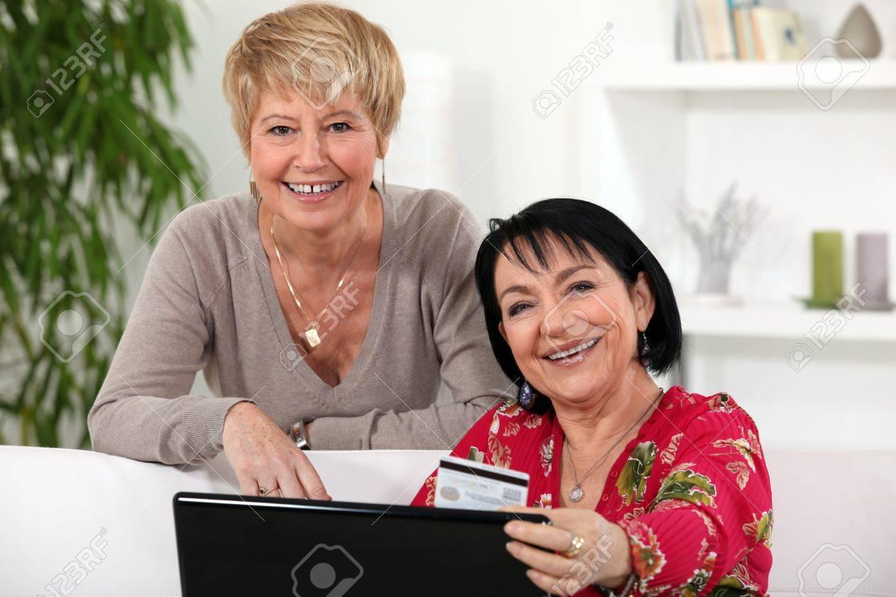 Amigas Maduras dos amigas maduras compras en línea.