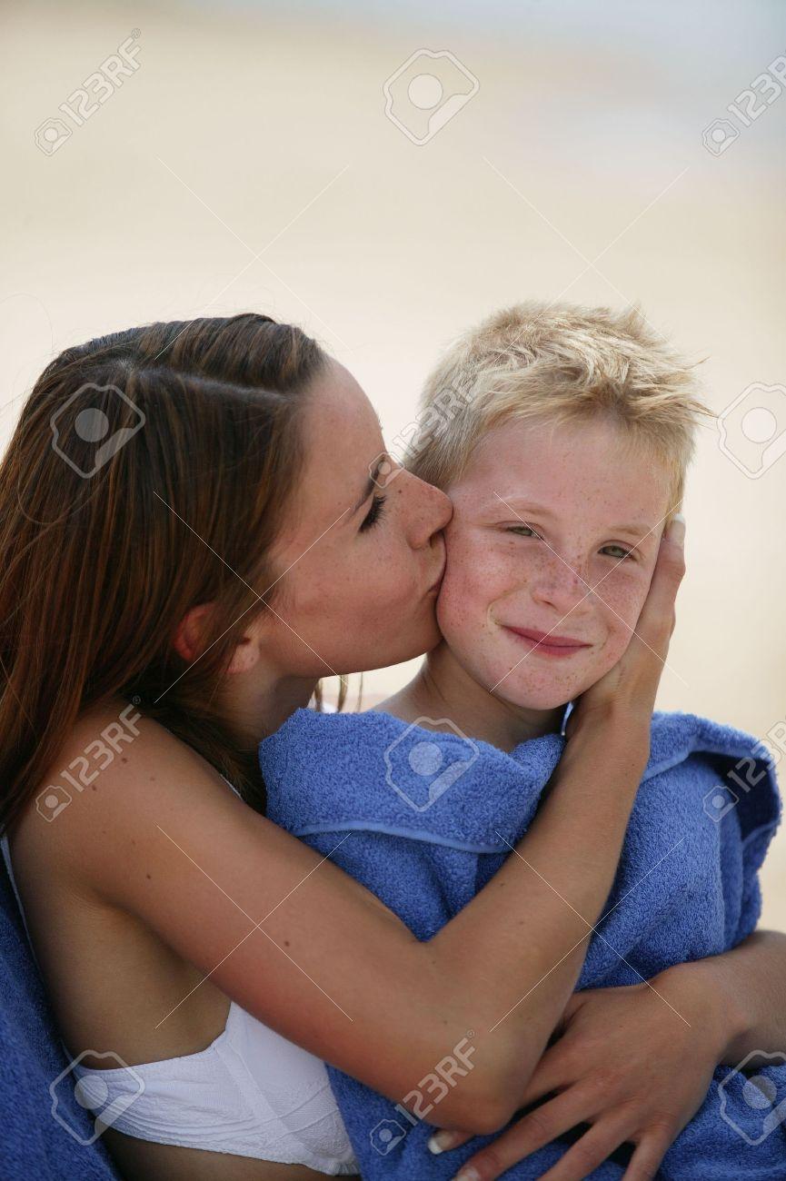 Сын целуется с мамой 24 фотография