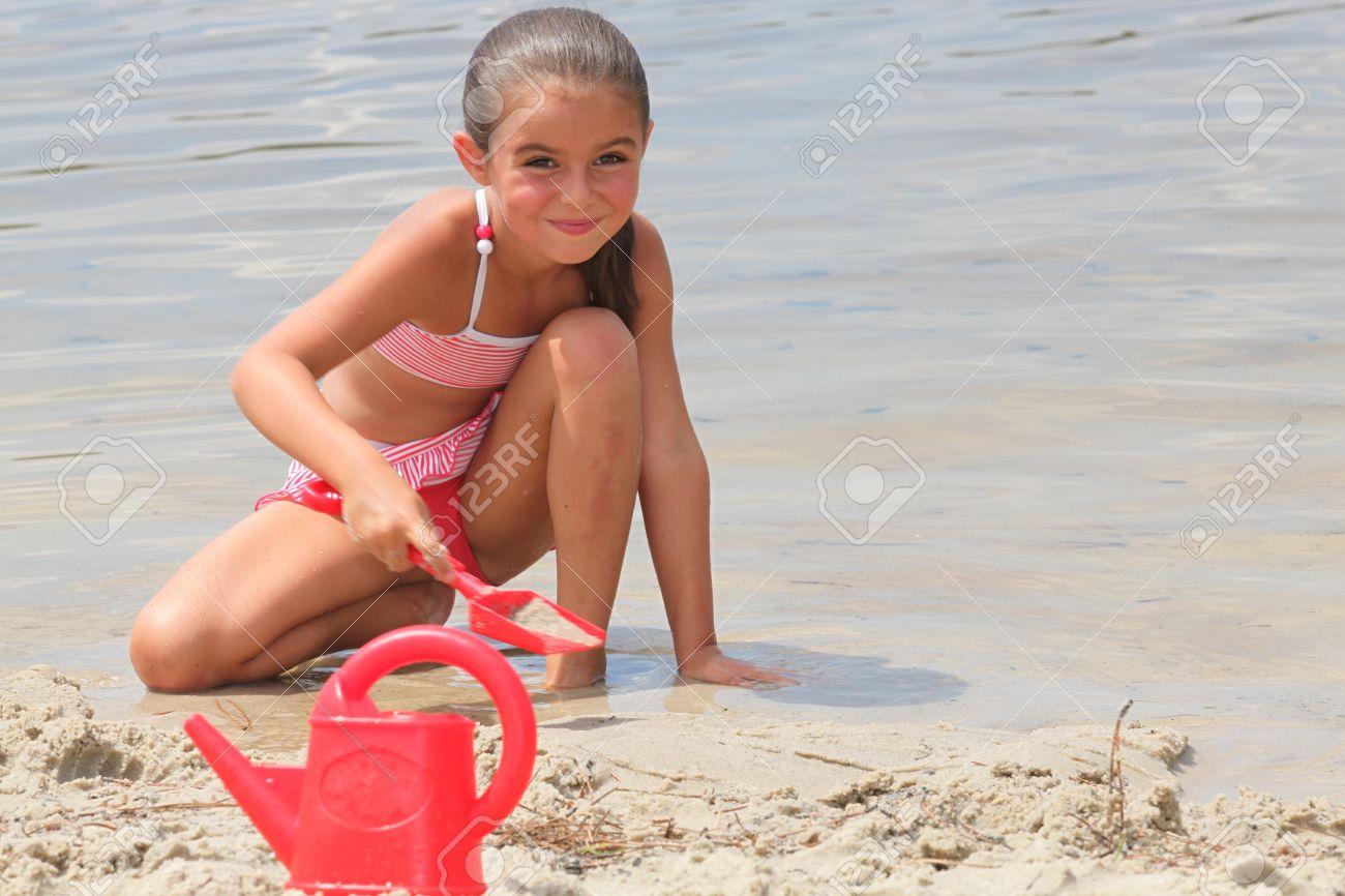 Фото вагины маленький девочек 29 фотография
