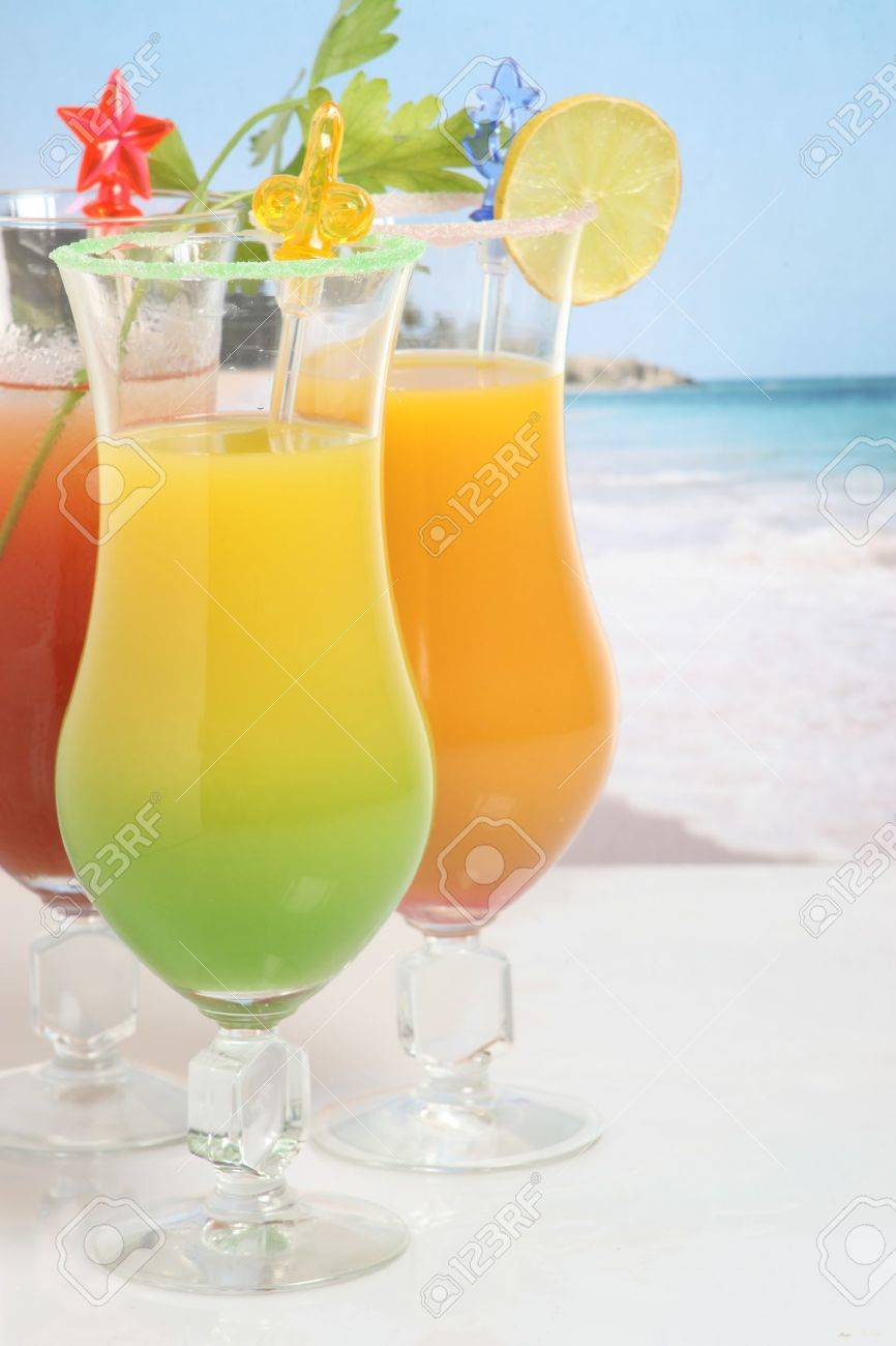 Cocktails on the beach Stock Photo - 13459809