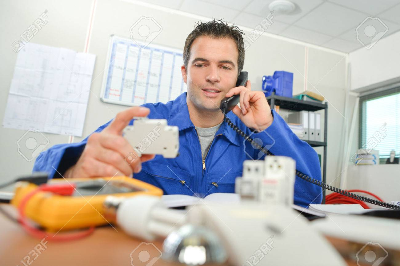 Electrician in the office Stock Photo - 42155486