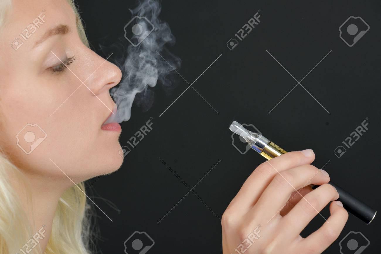 Electronic cigarette Stock Photo - 45412684