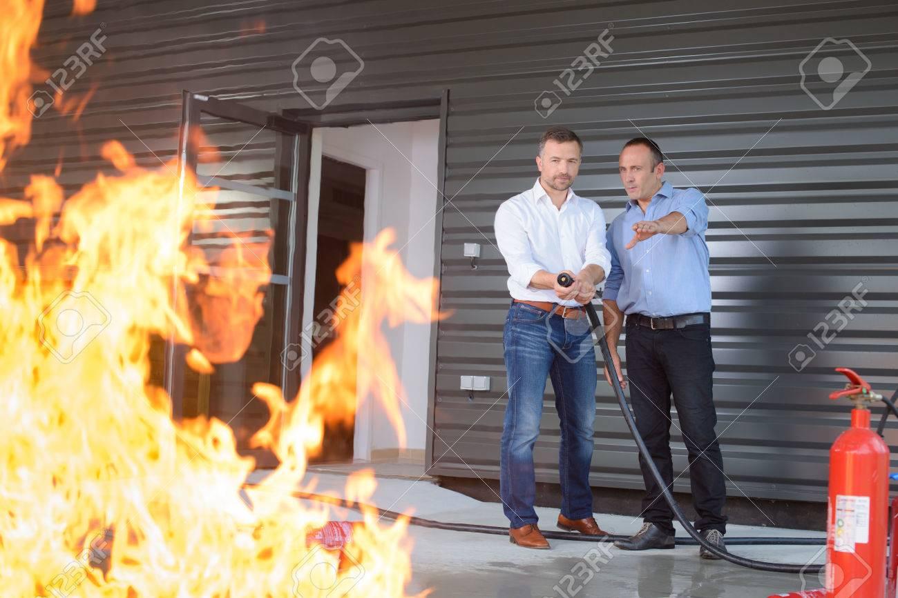 contrôler le feu Banque d'images - 71448372