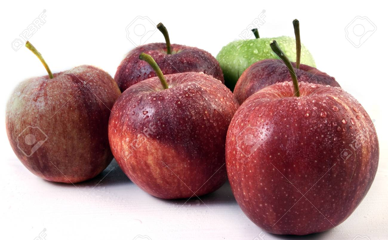 Fresh red apples. Stock Photo - 11452353