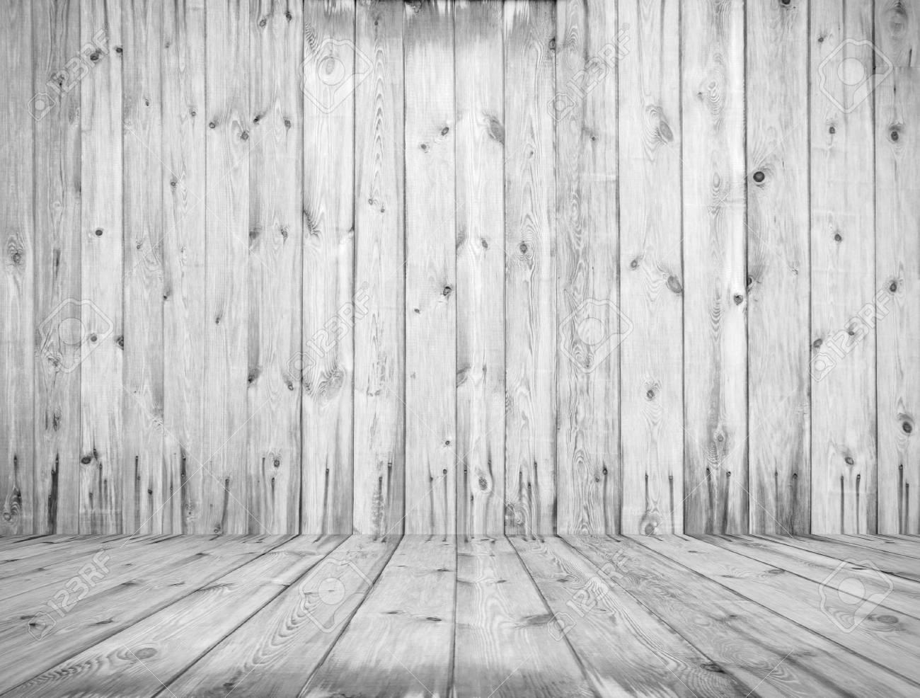 Alter Raum Weisse Holzwand Lizenzfreie Fotos Bilder Und Stock