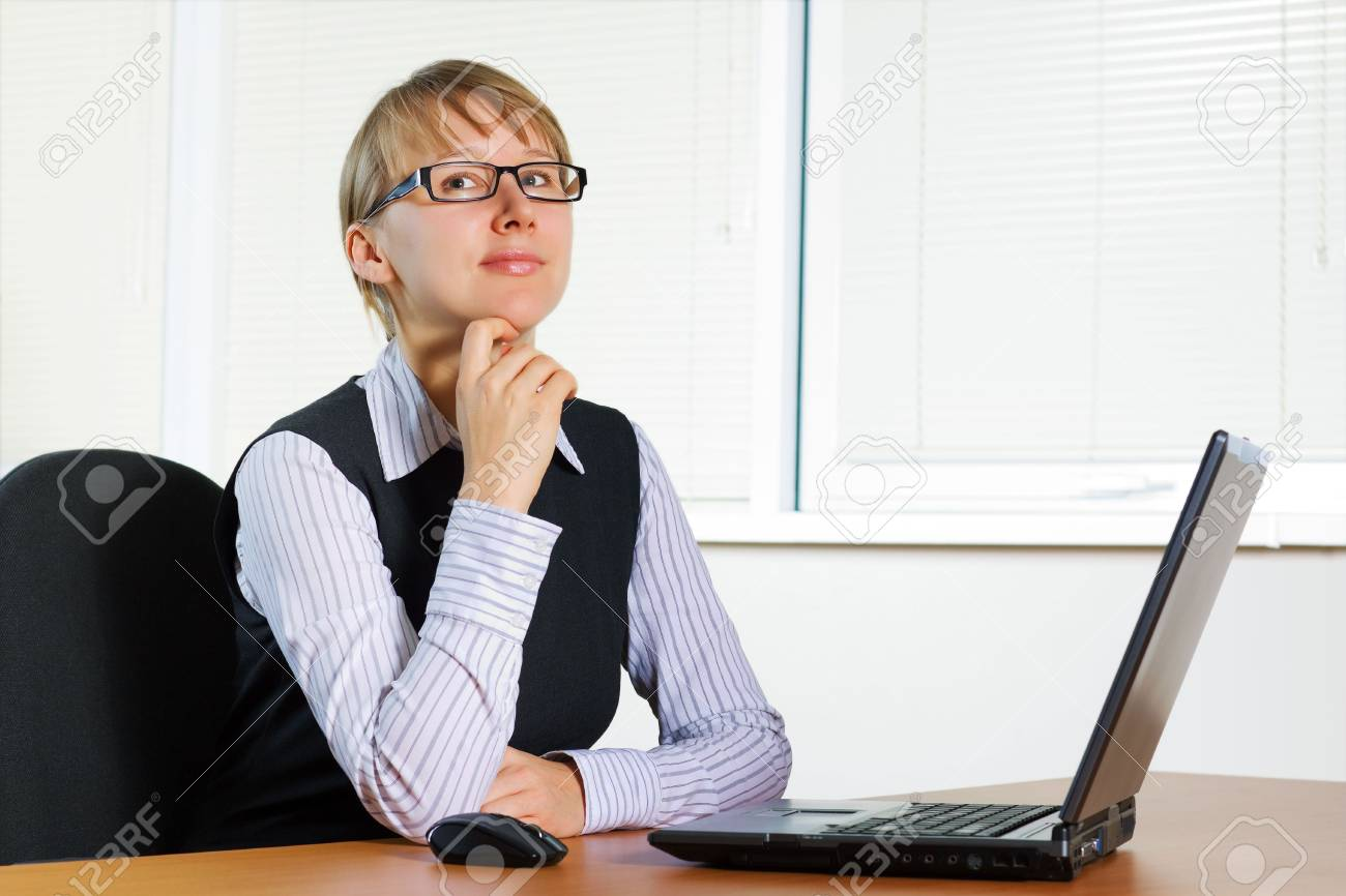 Young businesswoman working on the laptop. Stock Photo - 6090401