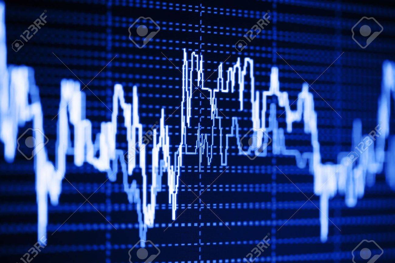 Stock index dynamics on the monitor Stock Photo - 9253976