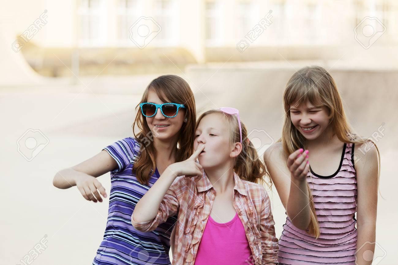 Юные тинейджеры