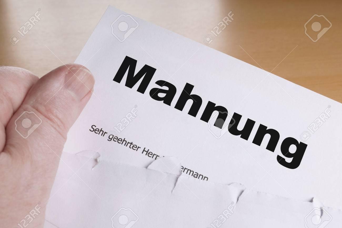 Mahnung Männliche Hand Die Deutsch Mahnwesen Oder