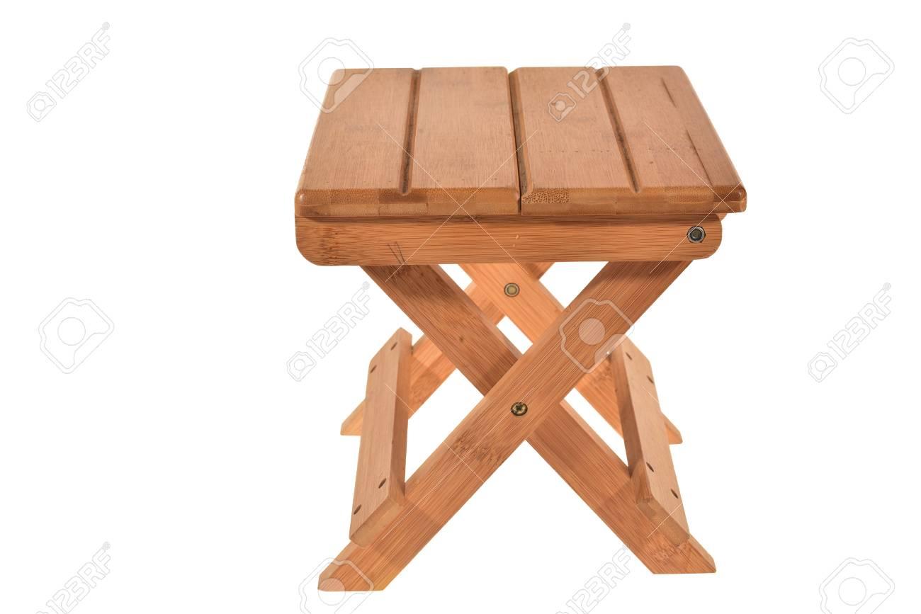 Sgabello In Legno Pieghevole : Pieghevole sgabello di legno isolato su sfondo bianco foto royalty