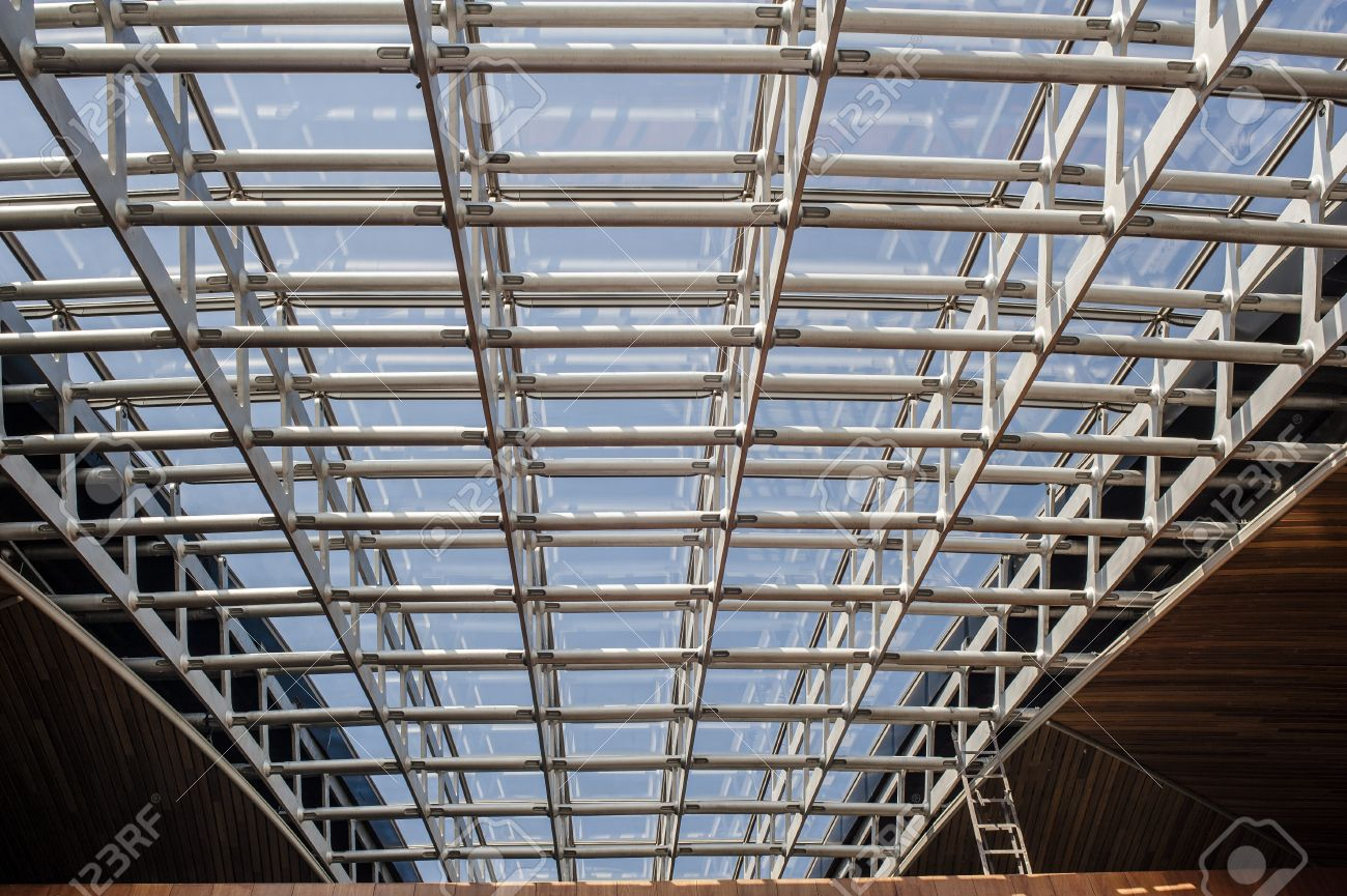 Metal Frame Ceiling Stock Photo, Picture And Royalty Free Image ...