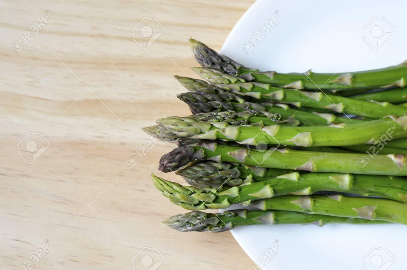 Saftige Grüne Frischen Spargel Bereit Für Das Kochen Lizenzfreie