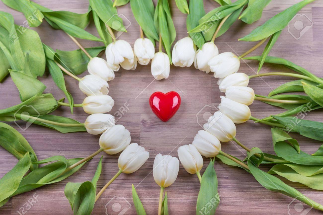 Liebe Rotes Herz Von Tulpen Schone Uberraschung Geschenk Fur