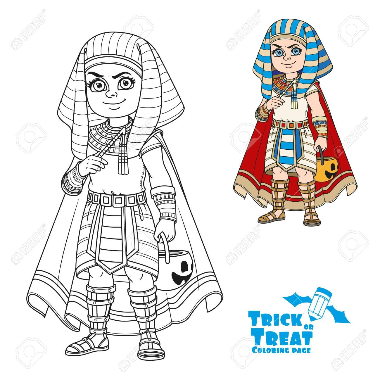Netter Junge Im ägyptischen Pharao Kostüm Mit Einer Kürbistasche Für ...