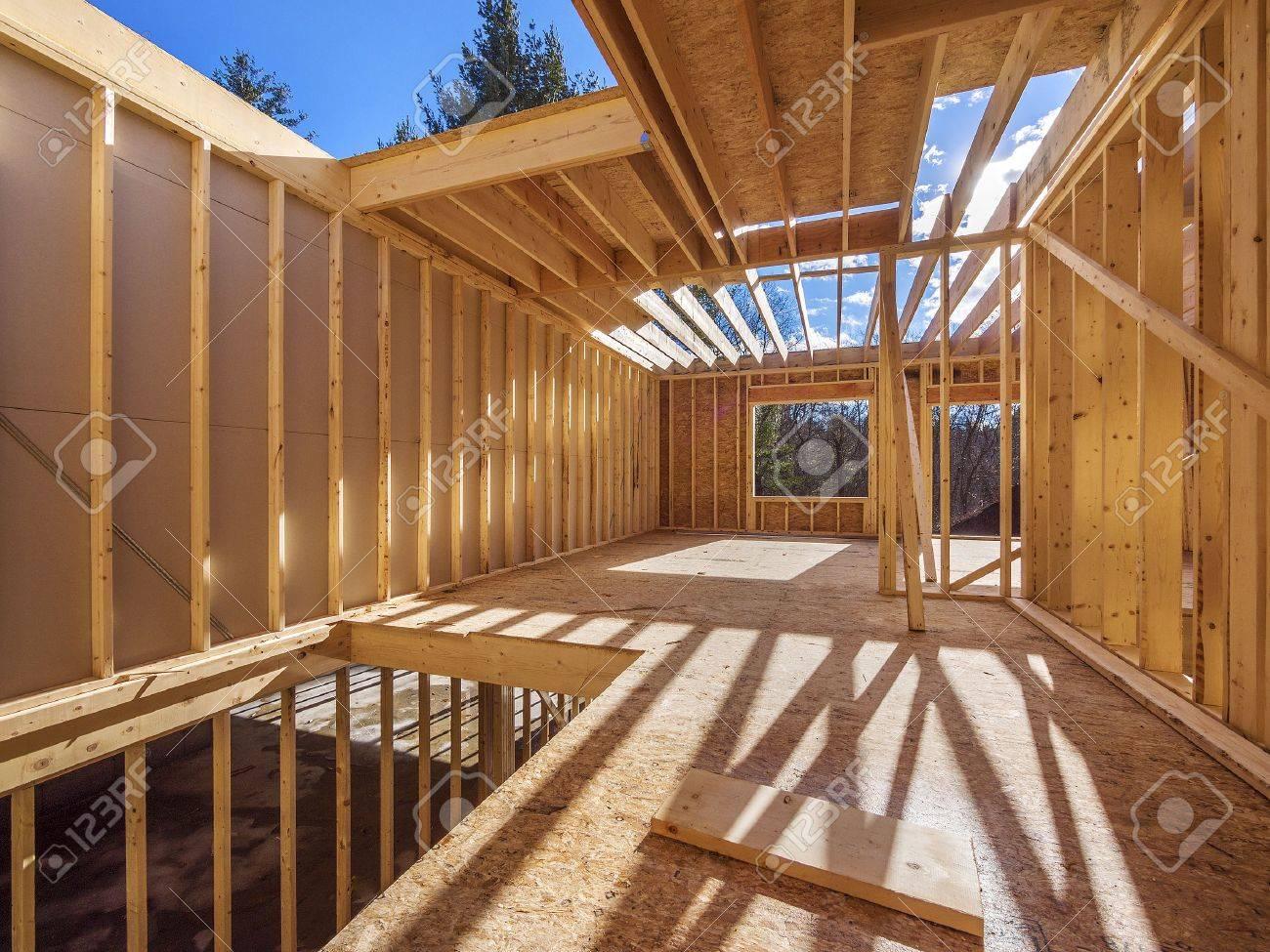 Nueva Construcción De Encuadre De Una Casa Fotos, Retratos, Imágenes ...