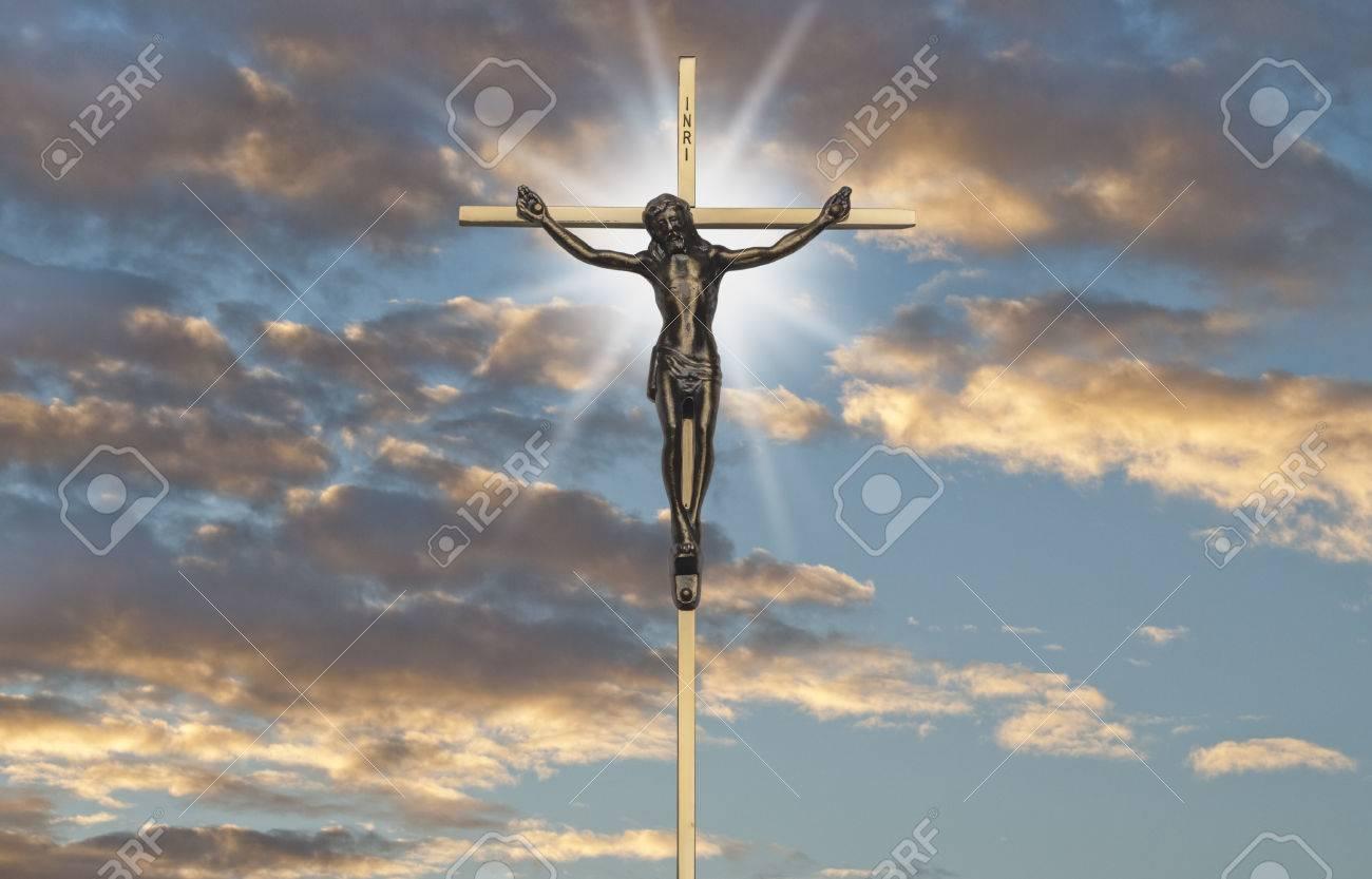 Jesucristo La Pasión En La Cruz Del Sonset Fotos Retratos Imágenes