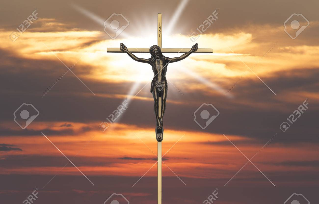 Jesucristo Pasión En La Cruz Al Atardecer Fotos Retratos Imágenes