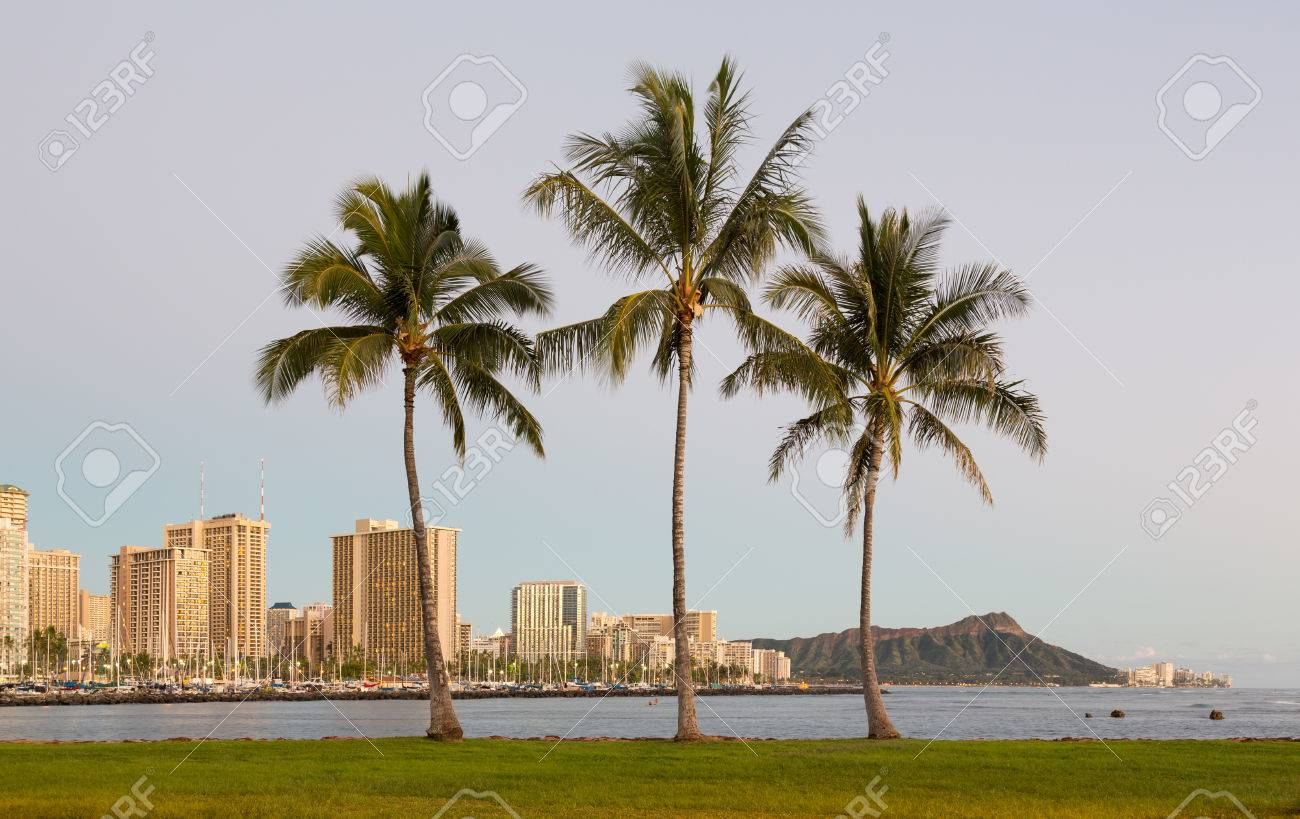 Panorama Of The Skyline Of Honolulu And Waikiki From Ala Moana ...