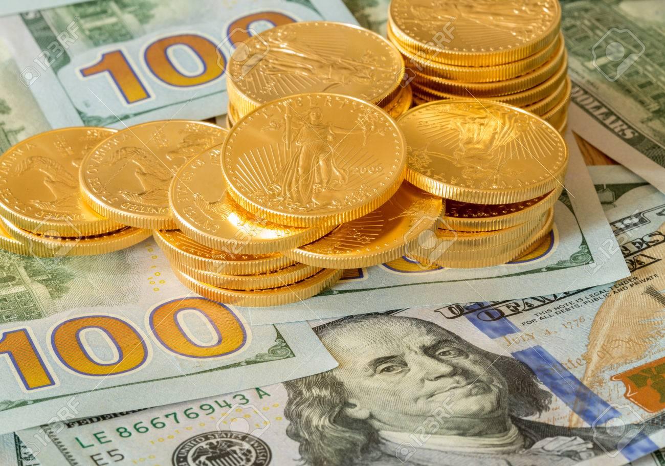 Stapel Von Steinadler Münzen Auf Neue Design Der Us Währung Eine