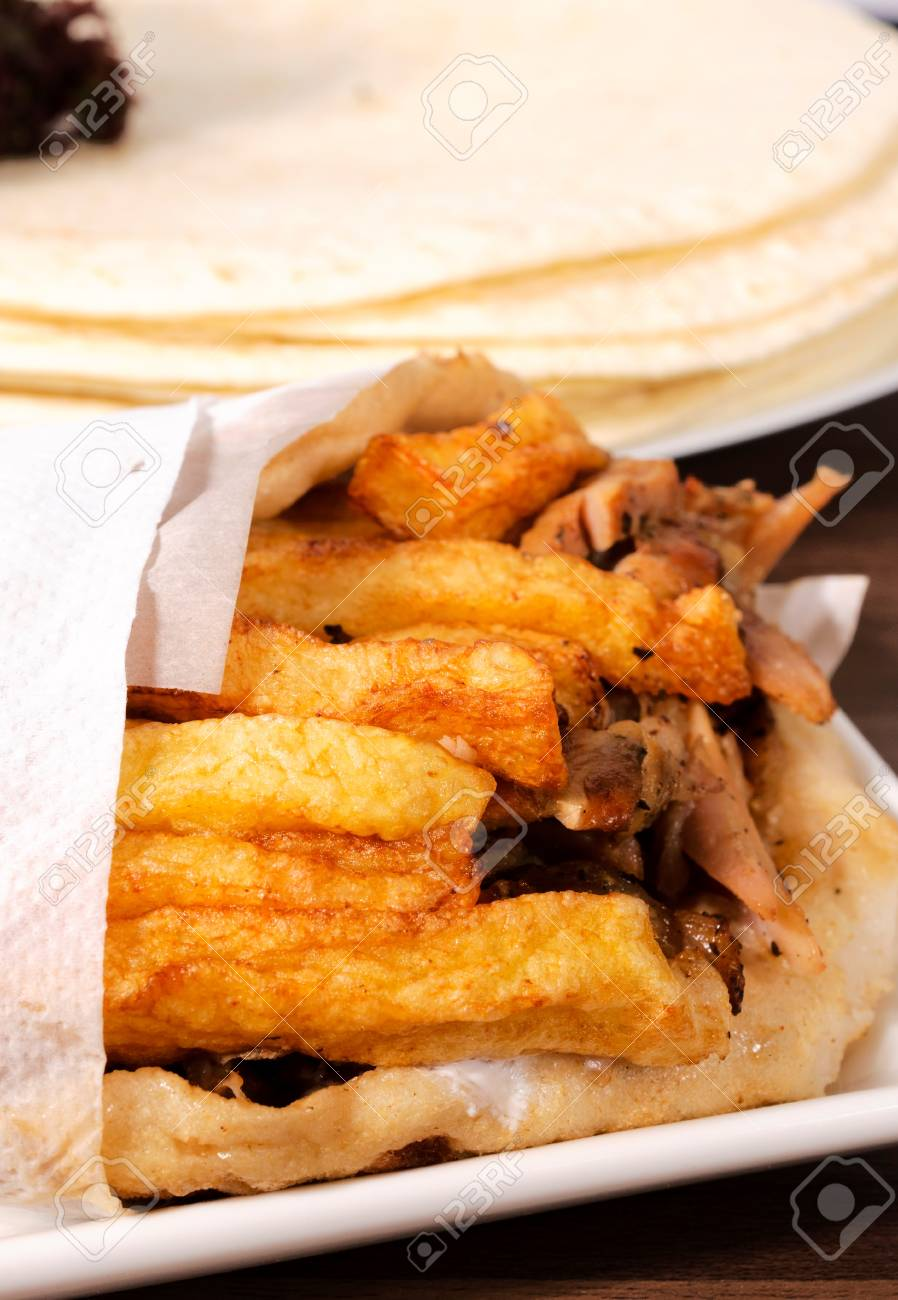 Selectiv focus on the gyros in the plate Stock Photo - 17144198